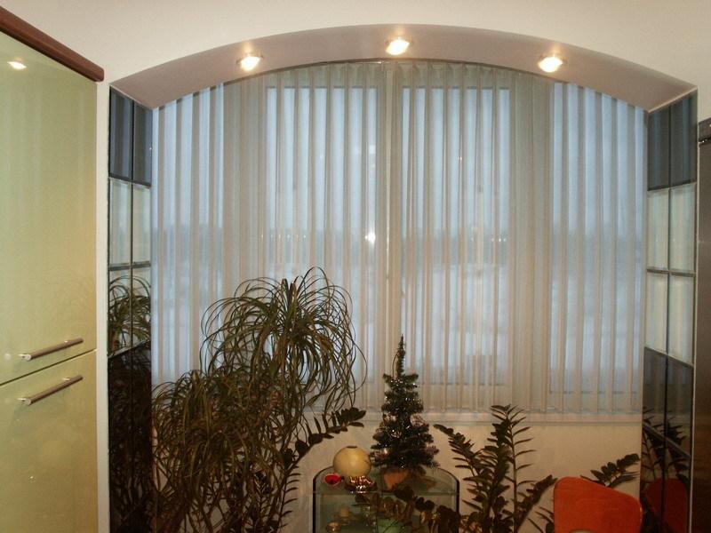 Жалюзи и рулонные шторы в омске